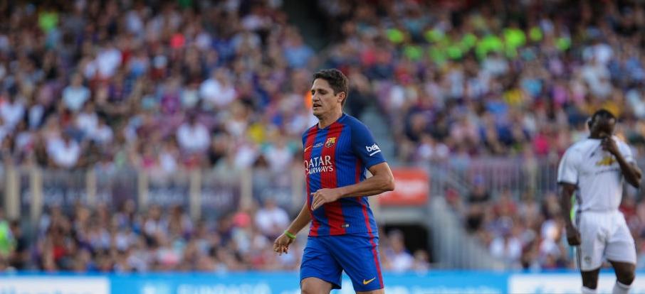 Edmilson lors d'un match des légendes avec le Barça