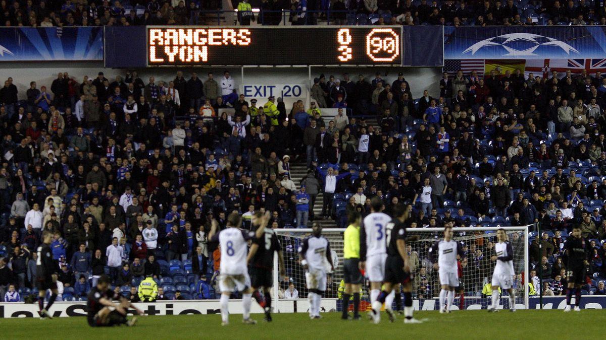 Tableau d'affiche de l'Ibrox Park a la fin du match
