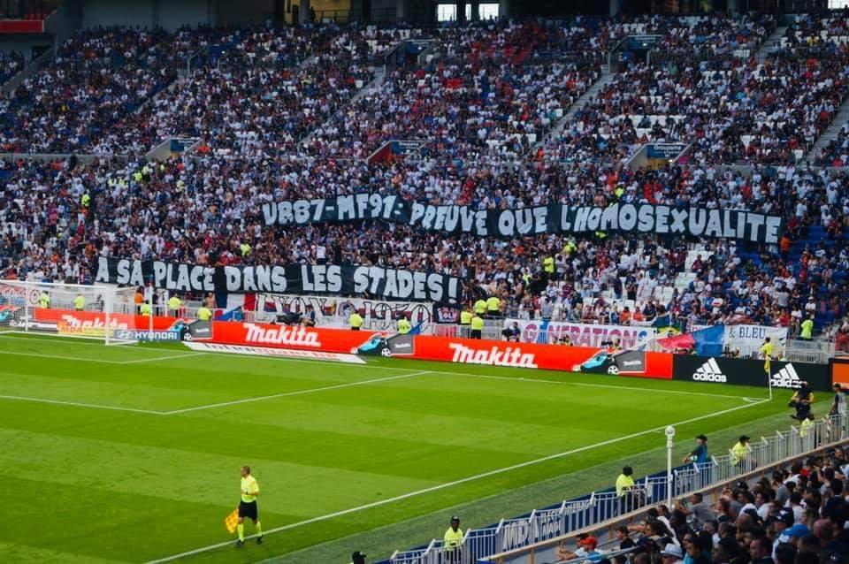 Banderole des supporters OL